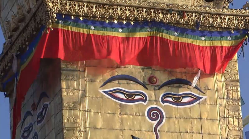 Les_yeux_du_Bouddha_(Stupa_de_Swayambhunath)
